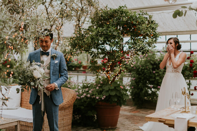 Tiny Wedding im Boho Stil Alte Gärtnerei München Frist Look