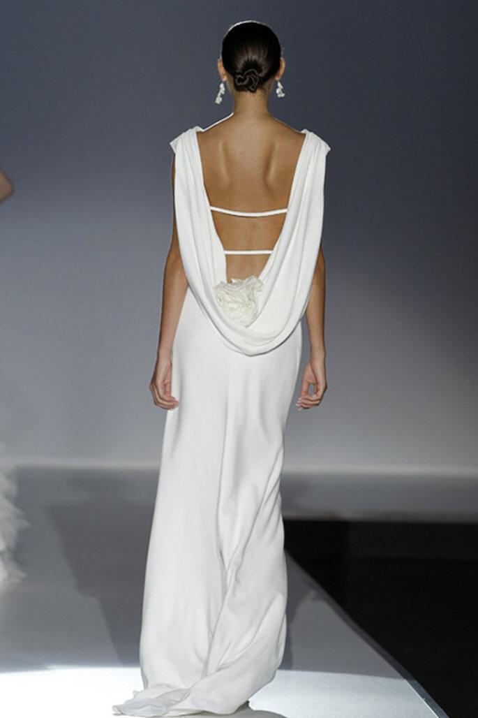 Vestido de noiva com as costas destapadas - Cymbeline 2012