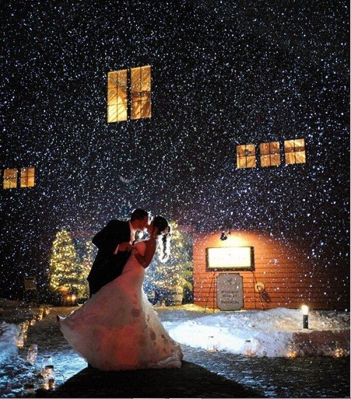Matrimonio sulla neve. Foto: Bharat Parmar Photography via stylemepretty.com