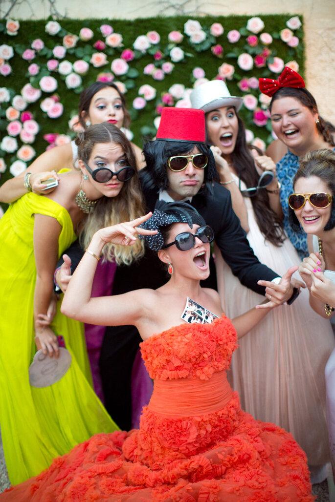 5 ideas divertidas para hacer el photocall de tu boda. Foto-Caught The Light