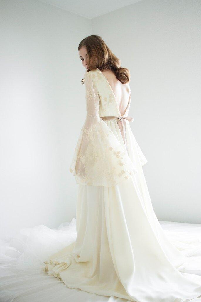 236aceb576 elegir un vestido de novia para ceremonia religiosa. Foto  Demi Novias.  guardar. Foto  Demi Novias