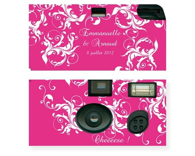 Appareils de photo customisés : quoi de plus original pour décorer les tables de votre mariage ? - Photo : Love'n Gift