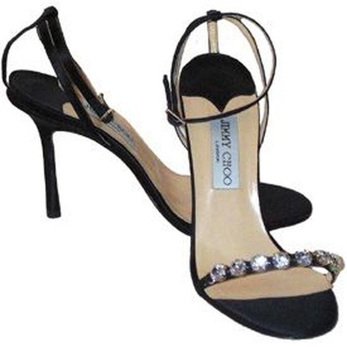 Sandalias negras con strass para novias audaces by Jimmy Choo