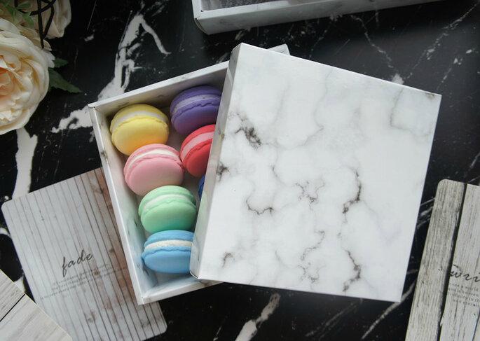 Caixa de papel com efeito marble