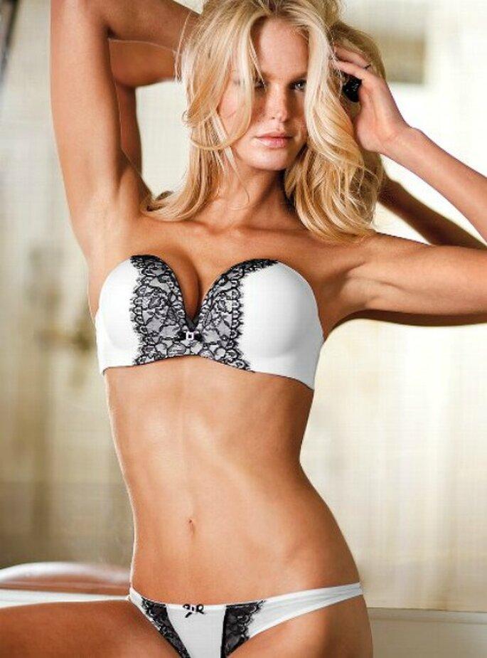 Completino black & white di Victoria's Secret. Foto www.victoriassecret.com