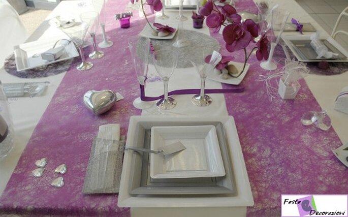 Decorazioni di nozze in bianco e lilla