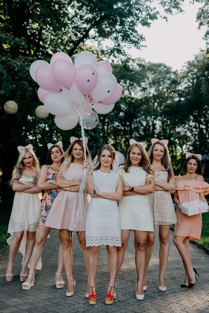 Braut mit Brautjungfnern Fotoshooting Junggesellinnenabschied