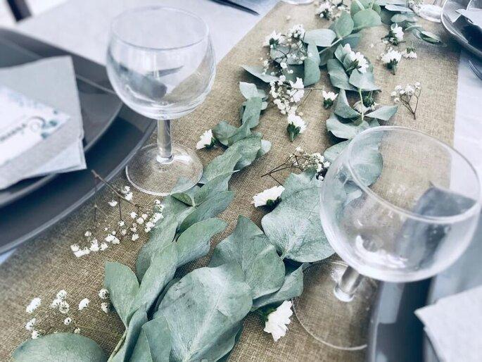 Nouveau Chapitre - Décoration automnale et nature d'une table en vue de la célébration d'un mariage