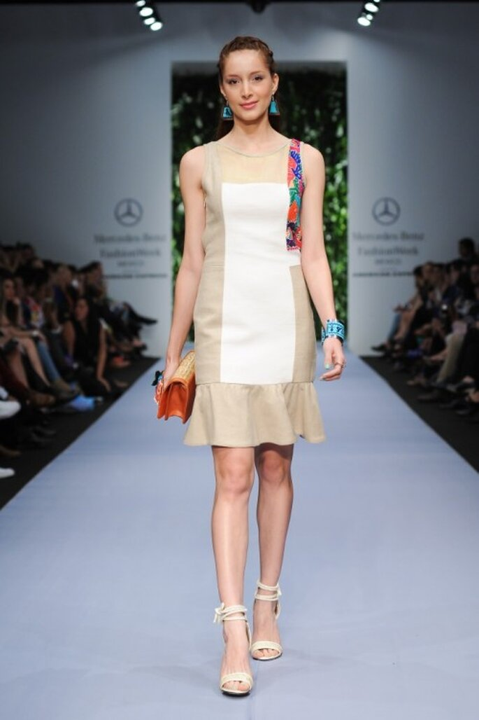 Vestido de fiesta en color nude con franja de bordados multicolor - Foto Mercedes Benz Fashion Week méxico