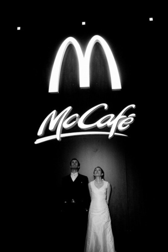 After-Wedding-Shooting mit McDonald's-Kulisse - Foto: Ronny Barthel, fotograf-zur-hochzeit.de