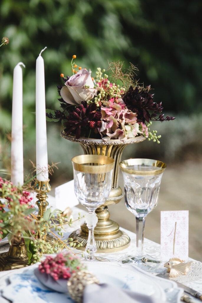Hermosa inspiración para una boda muy elegante - Weddings by Nicola and Glen vía Style Me Pretty