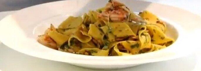 Fettuccine con camarones cocidos siciliano por Gordon Ramsey. Foto: youtube.com