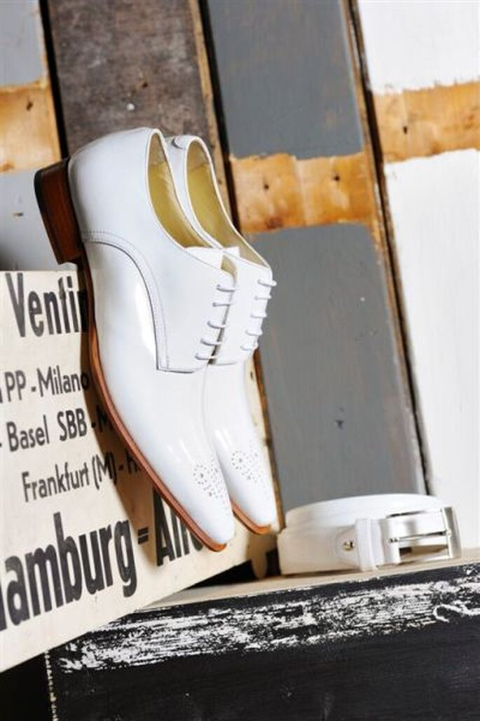 PLS Mike white aus der Kollektion MEn. von Elsa Coloured Shoe - Foto: http://www.elsacolouredshoes.de
