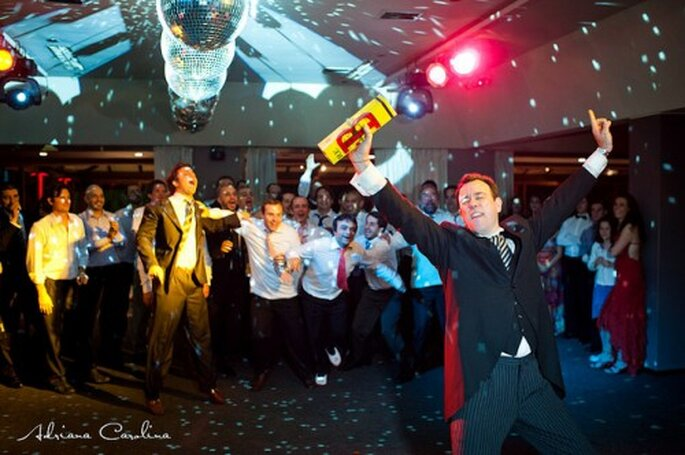 La soirée de mariage : invités et mariés doivent pleinement en profiter ! - Photo : Adriana Carolina