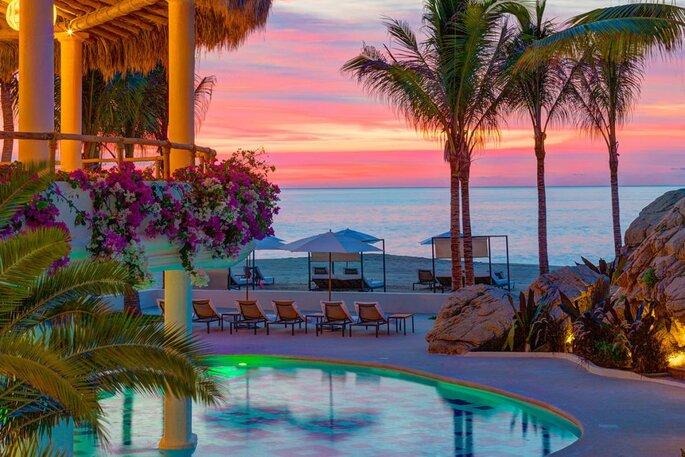 Mar del Cabo, Velas Resorts