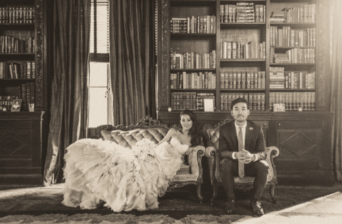 Libros, preciosos libros, tema de boda para las amantes de la literatura. Fotografía Sweet Little Photographs