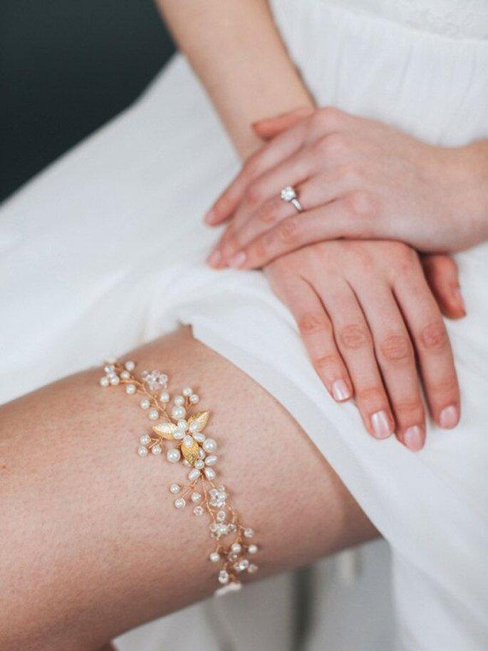 Strumpfband Braut bestehend aus Perlen zart und elegant