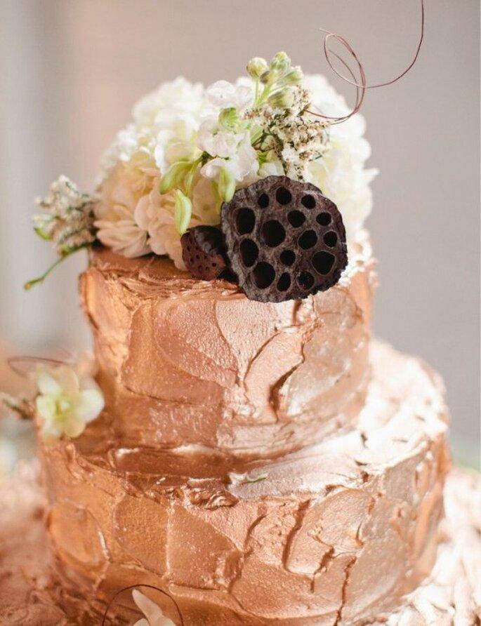 Rose gold para el pastel de tu boda 2014 - Foto Jillian Zamora