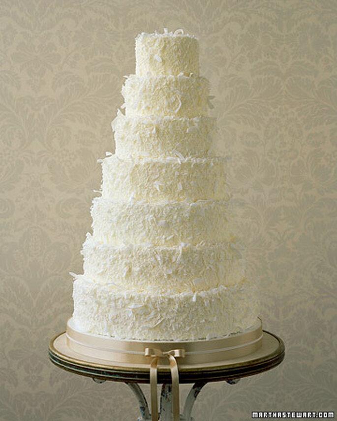 Bolo de noiva com cobertura de coco