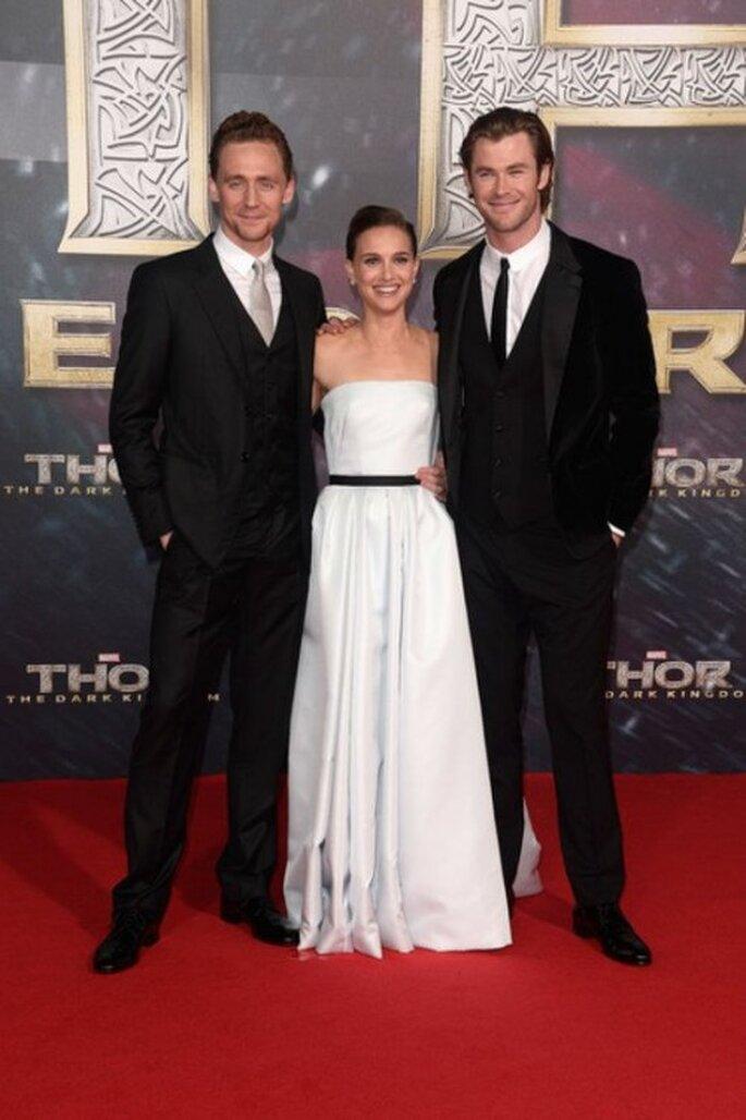"Tom Hiddleston, Natalie Portman y Chris Hemsworth en la premiere de ""Thor: The Dark World"" - Foto PopSugar en Pinterest"