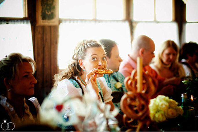 Bayrischer Hochzeitsschmaus: Brezen! // Foto: Katja Schünemann