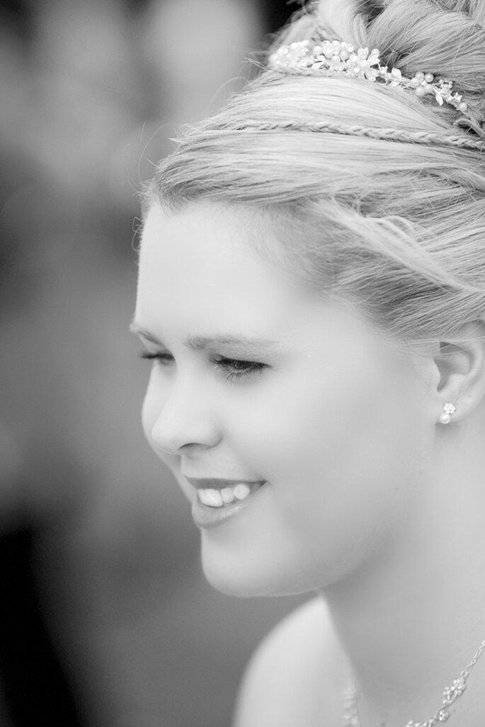 Flechtwerke prägen die Brautfrisuren 2012 - Foto: Gabriele Wundeberg