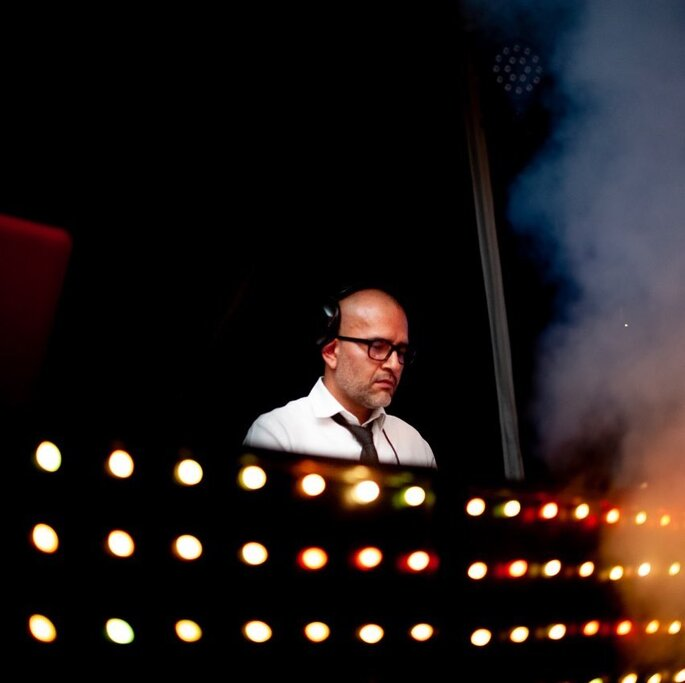 COS DJs música y animación para bodas