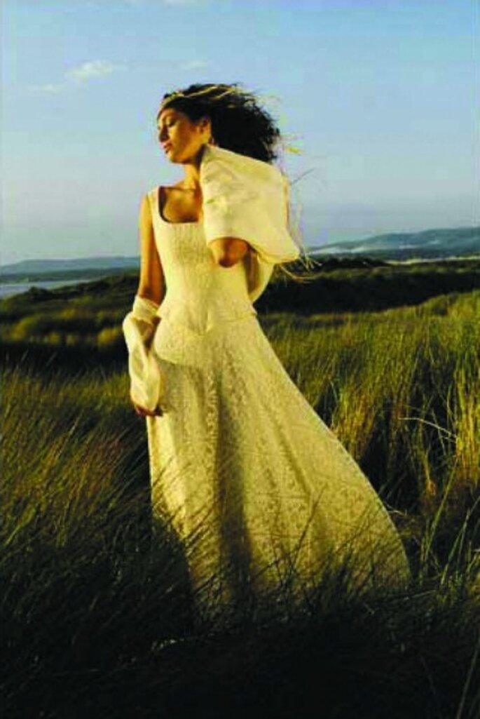 Robe de mariée Zélia sur la Terre comme au Ciel, modèle La Galette