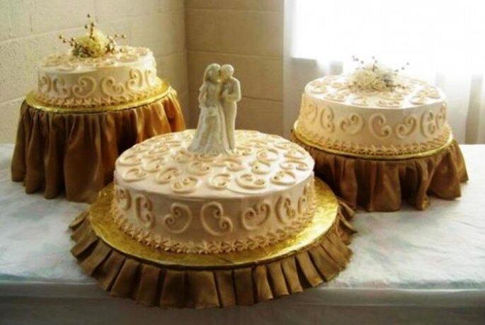 Romantische Hochzeitstorten in Beige