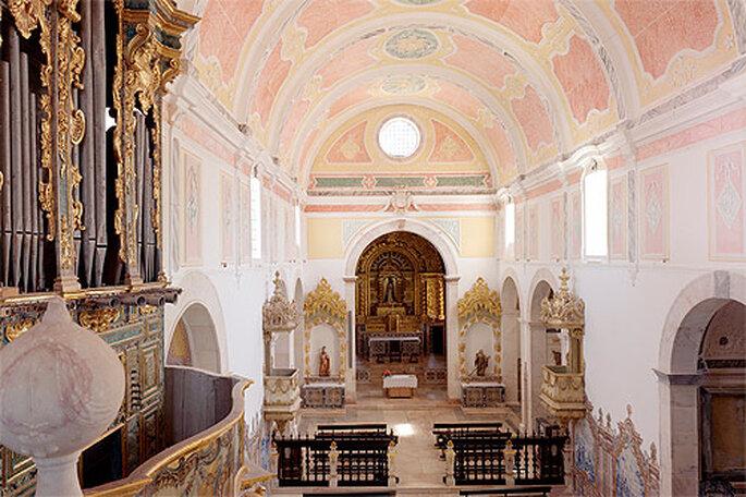 El hotel cuenta con una preciosa Iglesia en la que celebrar la boda. Foto: Convento do Espinheiro