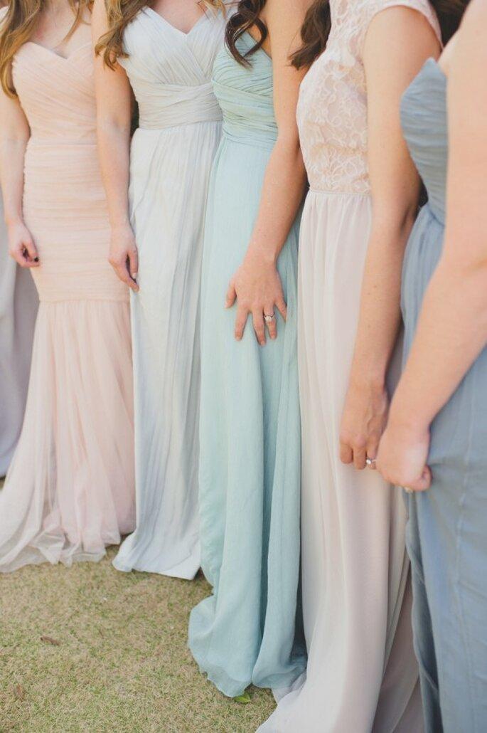 Un arcoiris de colores neutros para que tus damas de boda luzcan guapísimas - Foto Spindle Photography