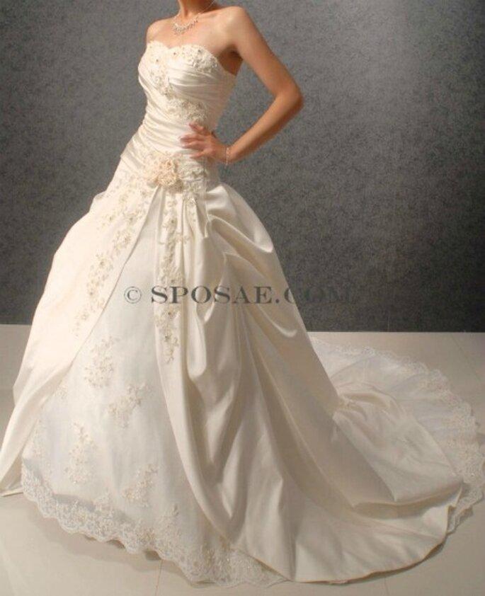 new styles 5643b cddce Acquistare l'abito da sposa online? Scopri l'alta qualità ed ...