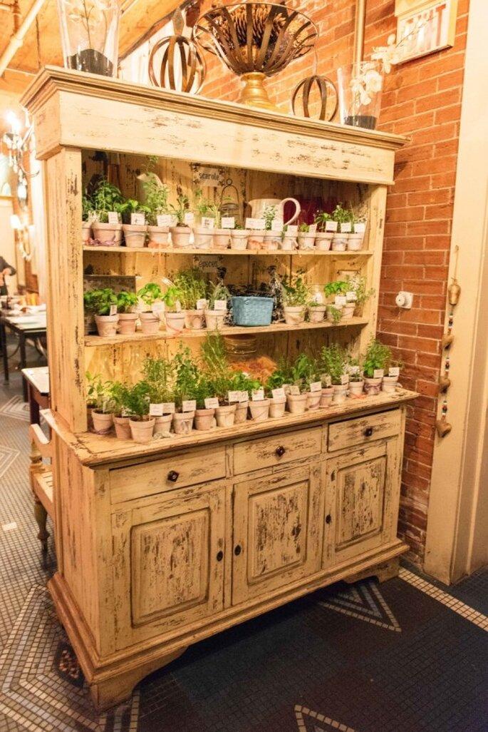 Mobiliario con diseños originales para decorar una boda - Foto Olive Photography