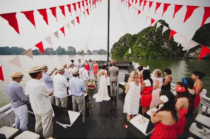 Esta magnífica boda se realizó en la borda de un barco. Foto de David One