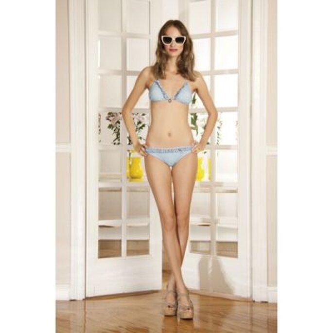 Bikini con volantes en tonos azules - Foto Dolores Promesa
