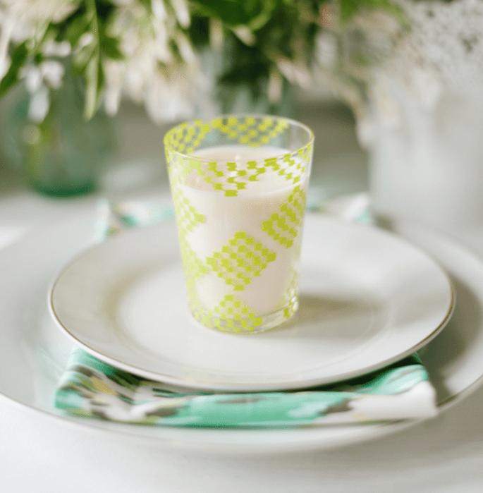 Integra todo tipo de detalles en color verde en el banquete de tu boda - Foto Jeff Loves Jessica