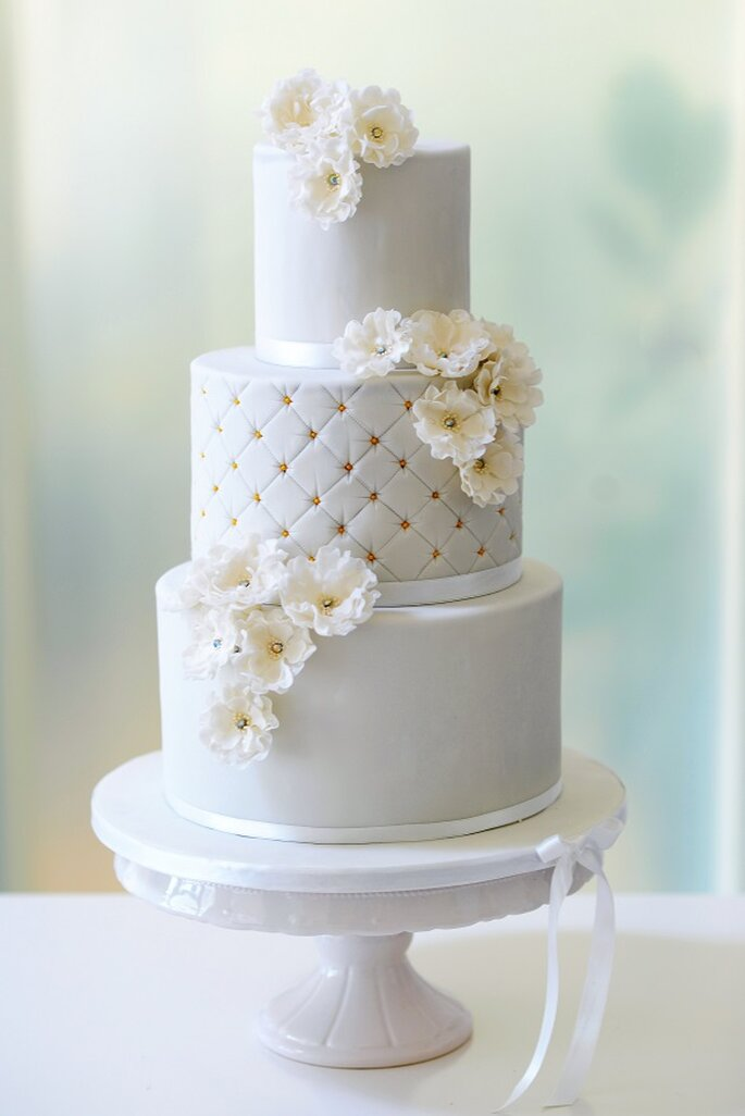 White and Gold Wedding Cake!