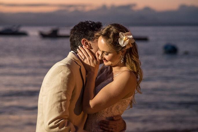 Ensaio dos noivos na praia
