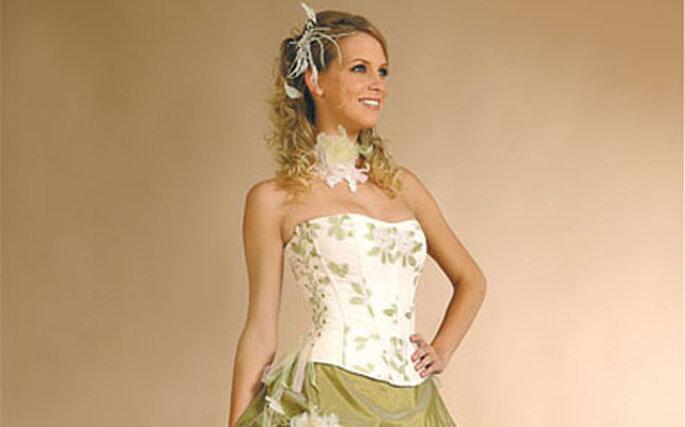 Robe de mariée blanche et verte : Gondole - Annie Couture 2010