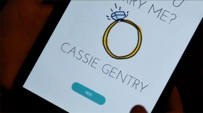 Idea para pedir matrimonio usando una app móvil - Foto Dots