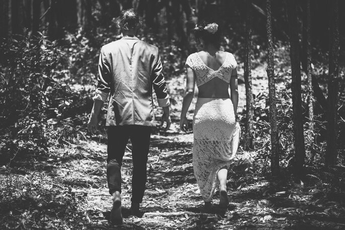 Ensaio dos noivos ao ar livre