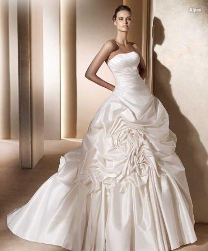 Alpes - Pronovias 2011