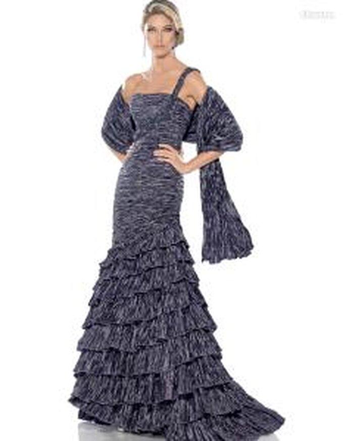 Pronovias Cóctel 2010 - Alhambra, vestido largo gris de corte sirena, escote transversal