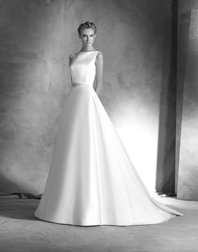Faça já a sua marcação para experimentar este vestido