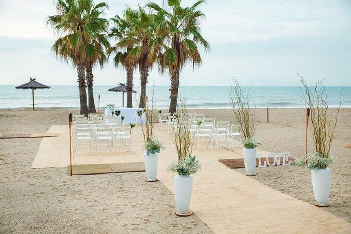 Los 11 mejores lugares para una boda en la playa en barcelona - Sitios para casarse en barcelona ...