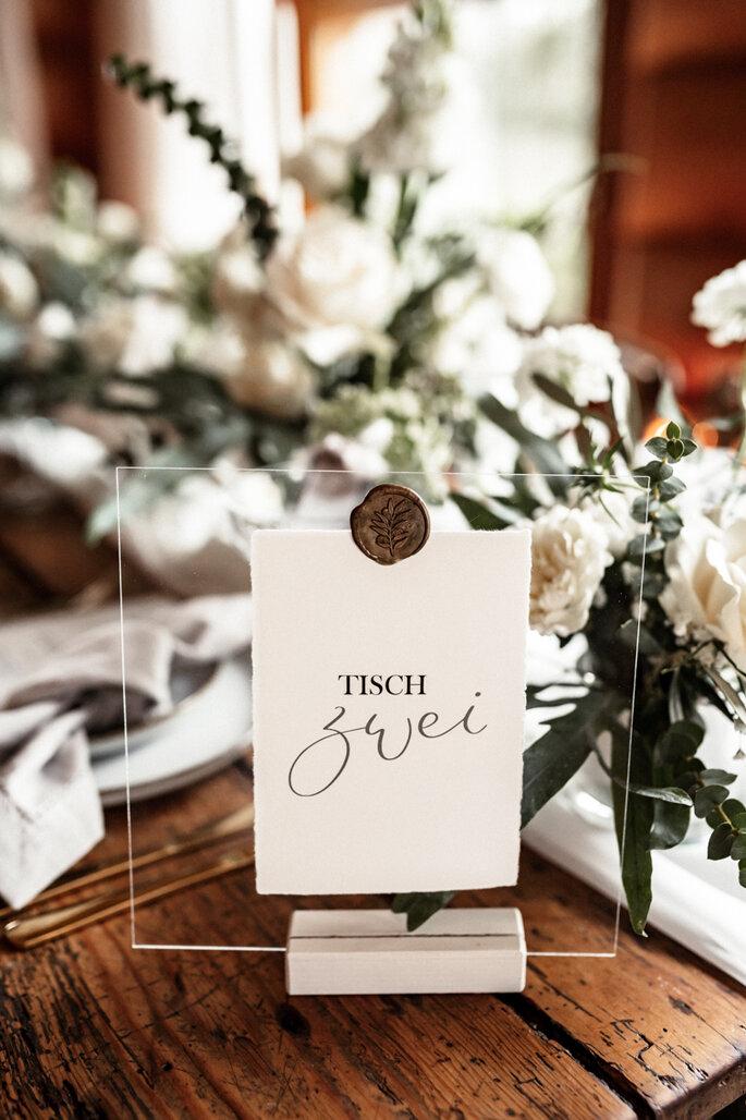 Intime Hochzeit, Eleganz trifft auf rustikalen Flair Tischdeko
