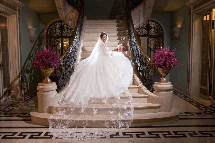 Palácio dos Cedros noiva na escadaria
