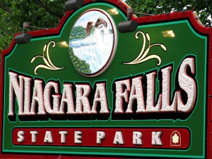 Für abenteuerliche Brautpaare: Heiraten an den Niagarafällen. Foto: Doris Collier / pixelio.de