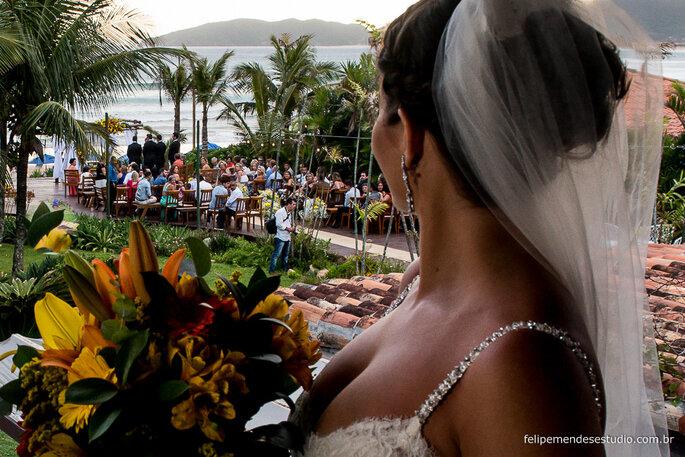 Acessórios de cabelo da noiva: Marias & Marias | Foto: Felipe Mendes Estúdio
