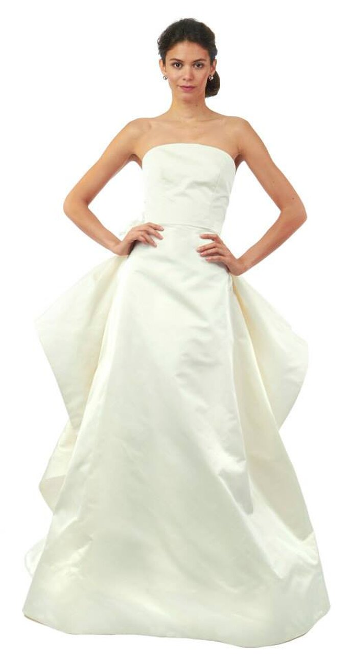 Vestido de novia liso y estructurado con falda voluminosa. Oscar de la Renta - Colección Otoño 2014